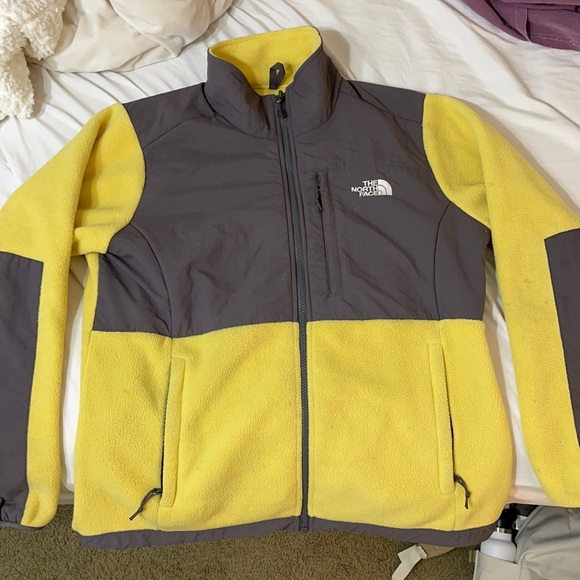 YELLOW AND GRAY FLEECE NORTH-FACE ZIP UP JACKET